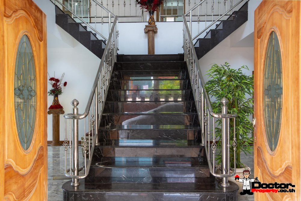 5 Bedroom House with Pool - Lamai, Koh Samui - For Sale - Doctor Property Real Estate