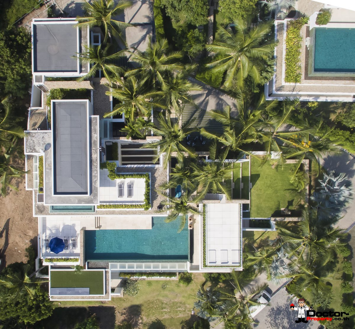 6 Bedroom Luxury Pool Villa, Choeng Mon, Koh Samui — For Sale