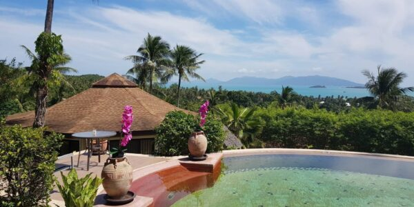 5 Bedroom Villa - Bang Rak - Koh Samui - for sale