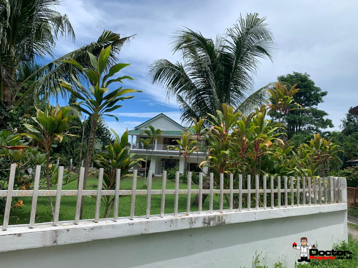 4 Bedroom Pool villa in A Peaceful Area - Na Mueang, Koh Samui - For Sale