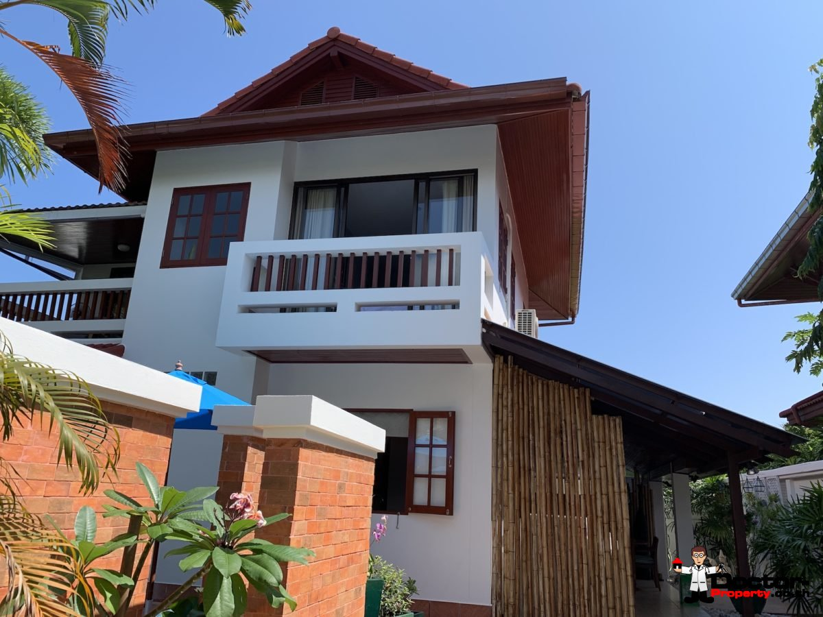 2 Bedroom House with A Pool - Bang Rak, Koh Samui - For Sale