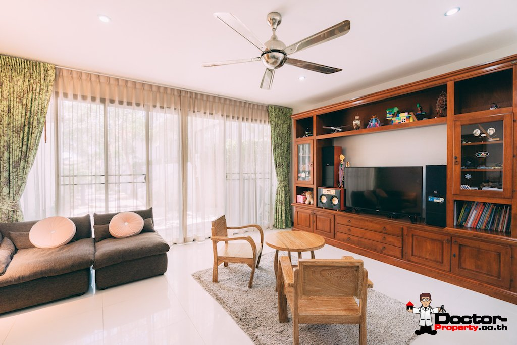 3 Bedroom Townhouse in Private Estate - Choeng Mon, Koh Samui - For Sale