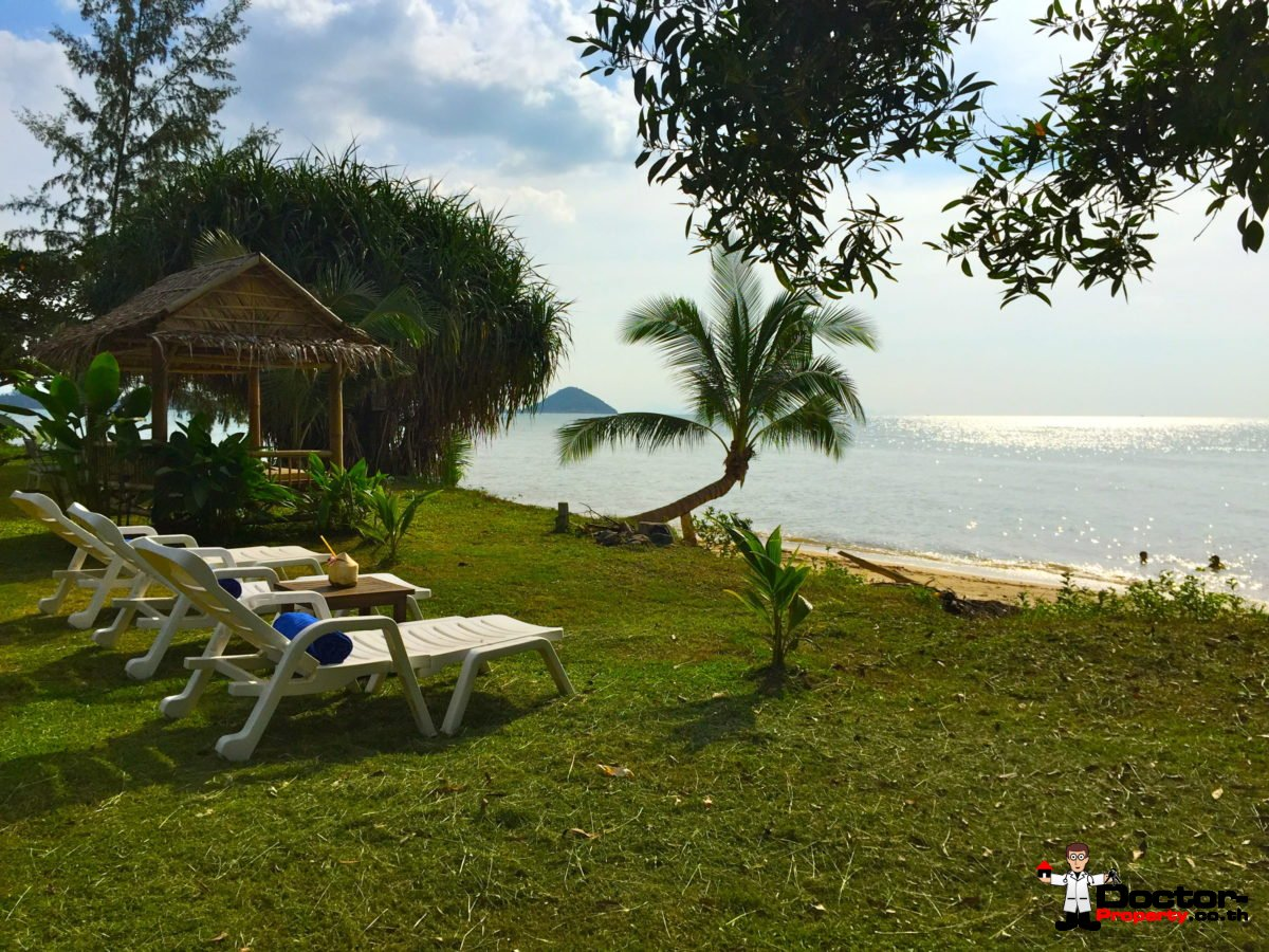 2800 SQM Land + 7 Bungalows + 1 Beachhouse - Lipa Noi - Koh Samui - for sale