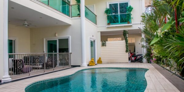 Beautiful 6 Bedroom Villa with Private Beach Access - Majestic Residence - South Pattaya - for sale