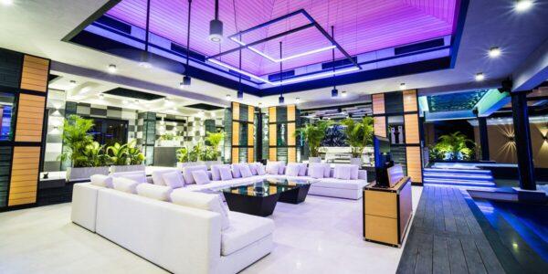 Unique Luxury Villa Resort – 10 Rooms - Central Pattaya - for sale