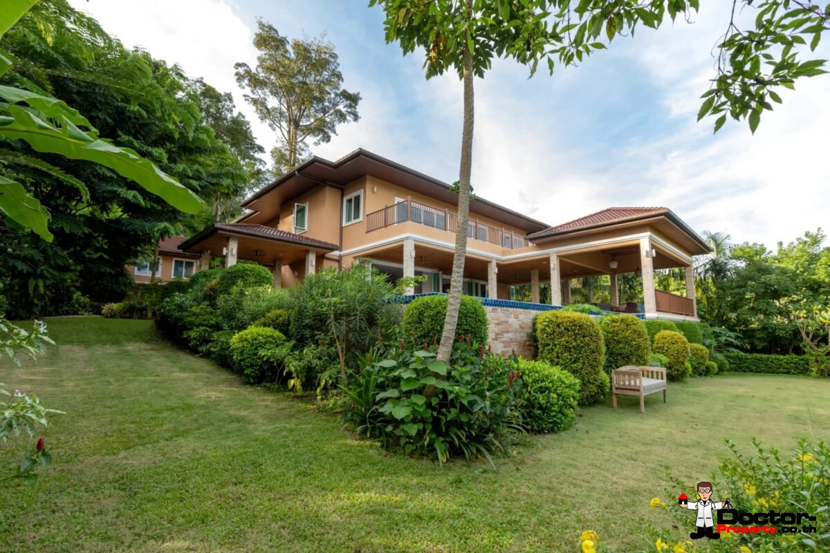 9 Bedroom Pool Villa - Overlooking Palm Golf Course - Mu Ban - Phuket Central - for sale